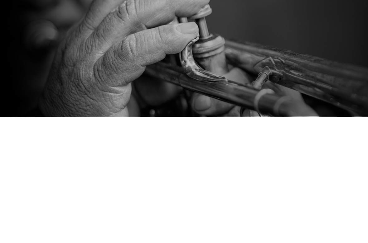 fondo_web_trompeta_hombre_22